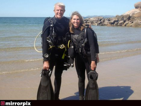 Divers Left Alone At Sea