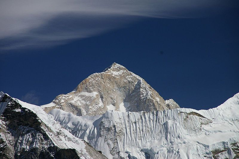 As you would expect, Lhotse (8516 m/27,940 ft) is a popular target for climbers once again this year.