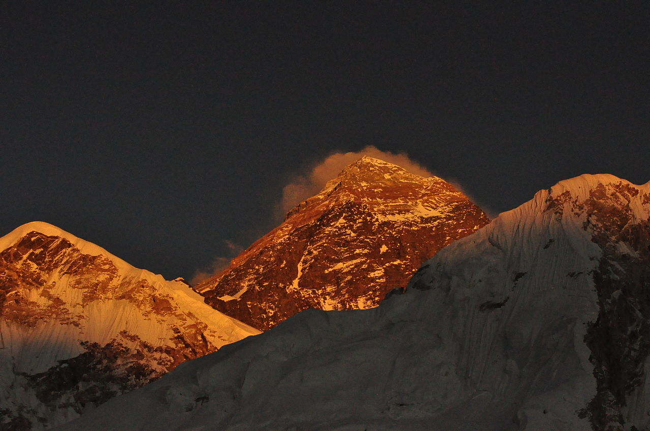1280px Sunny Everest