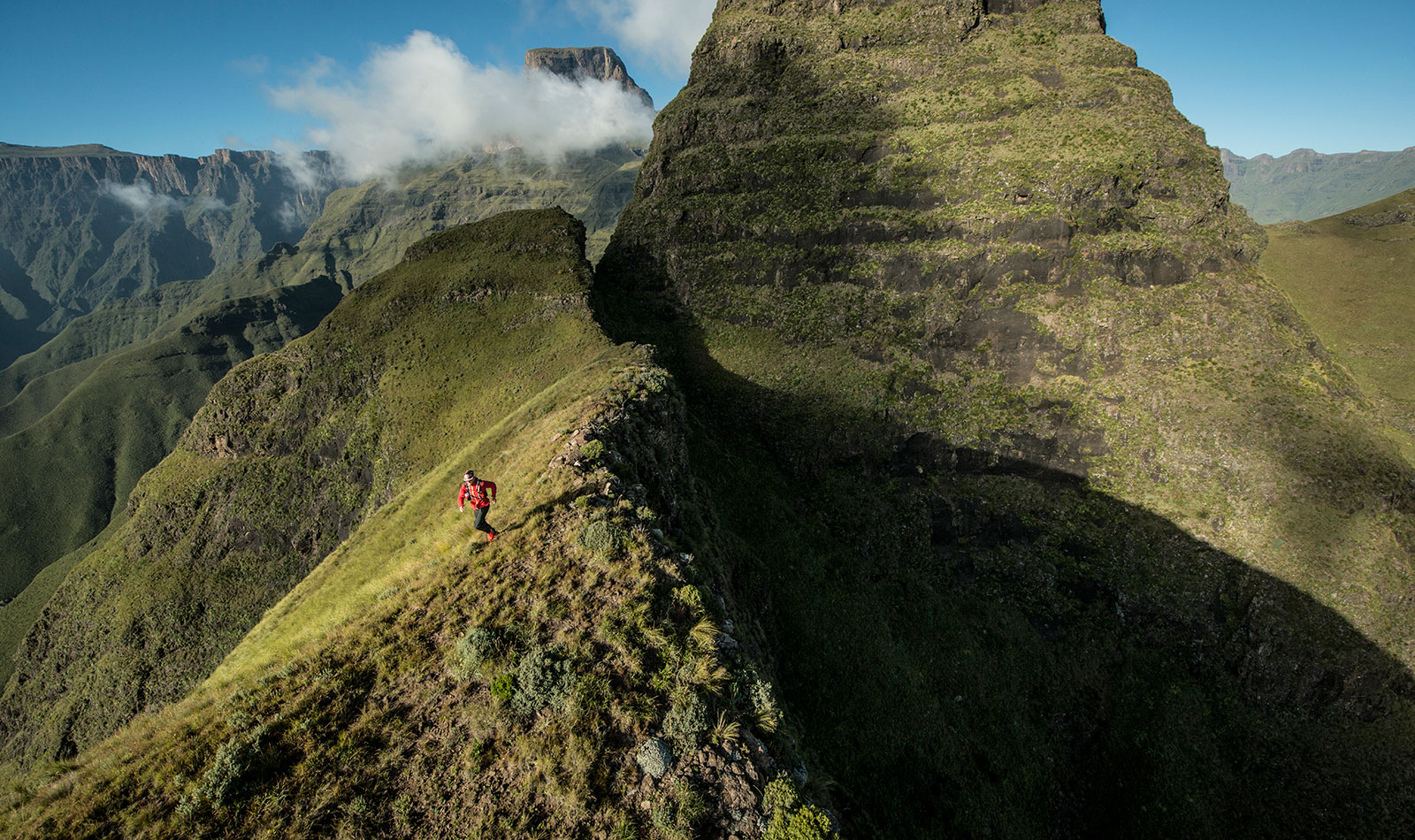 Ultrarunner Sets New Solo Speed Mark On South Africas Drakensberg Grand Traverse