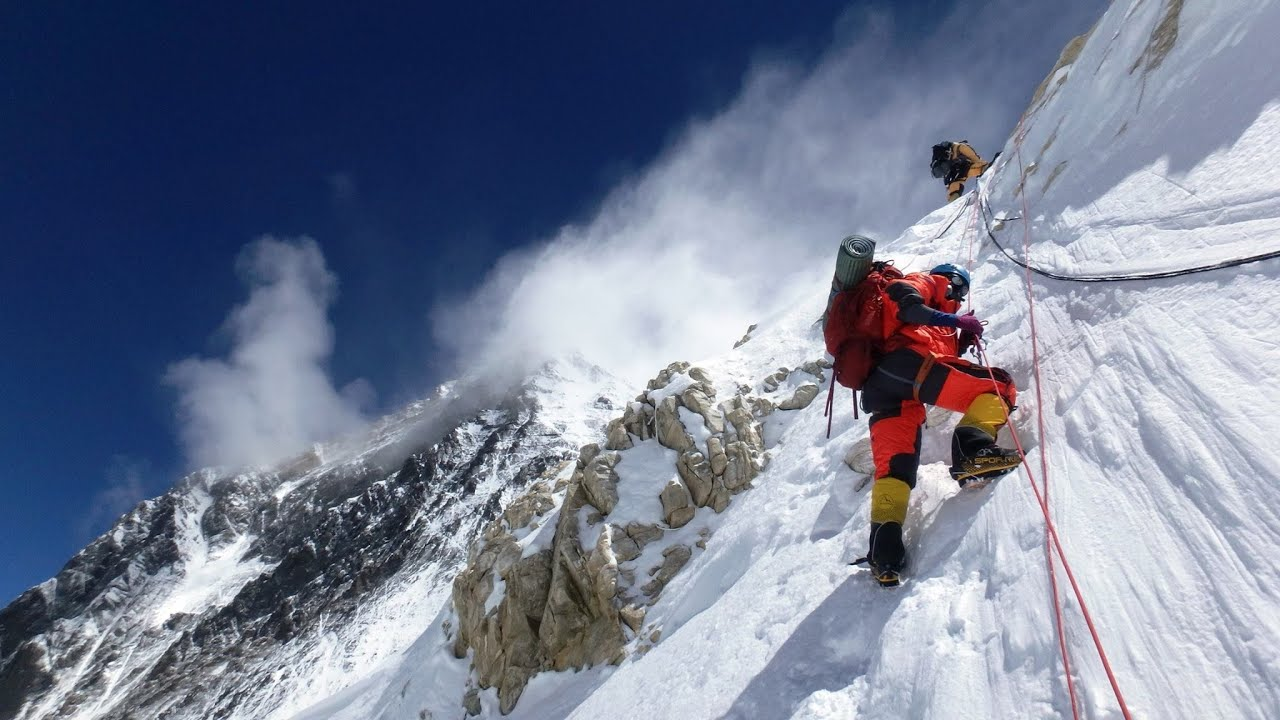 Everest Start to Summit in 3 min.