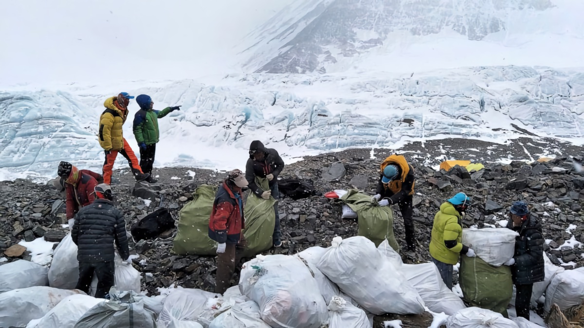Nepali Army to Clean Trash on Everest, 5 Other Peaks | The Adventure Blog